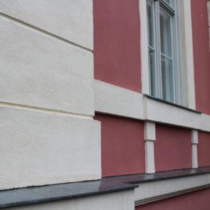 Sanierung nach Denkmalschutz der Fassade Schloss Plessow in Plessow Berlin (2012)